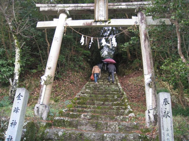 神社への階段